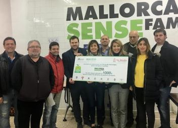 Els veïnats de Sant Llorenç, Campos i ses Salines col·laboren amb l'entitat Mallorca Sense Fam