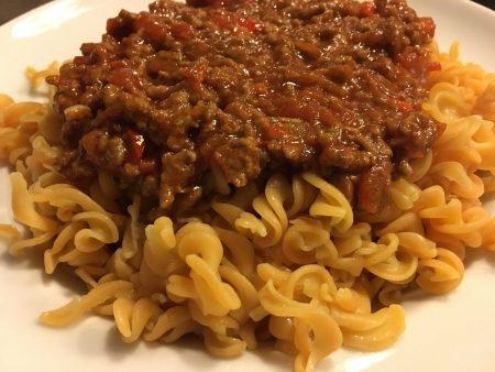 Rode_linzen_Pasta-met saus-a
