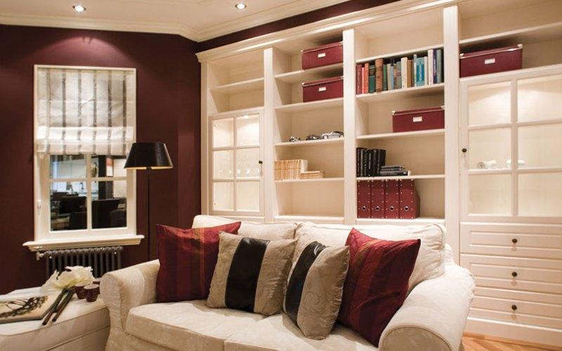 een mooie boekenkast op maat gemaakt