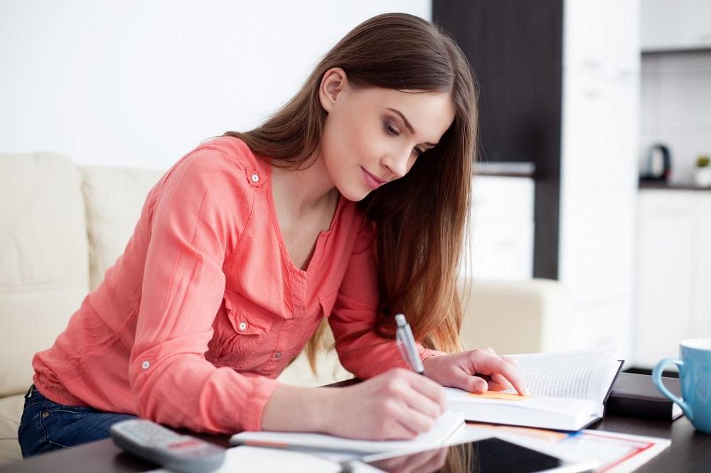 female studnet learning