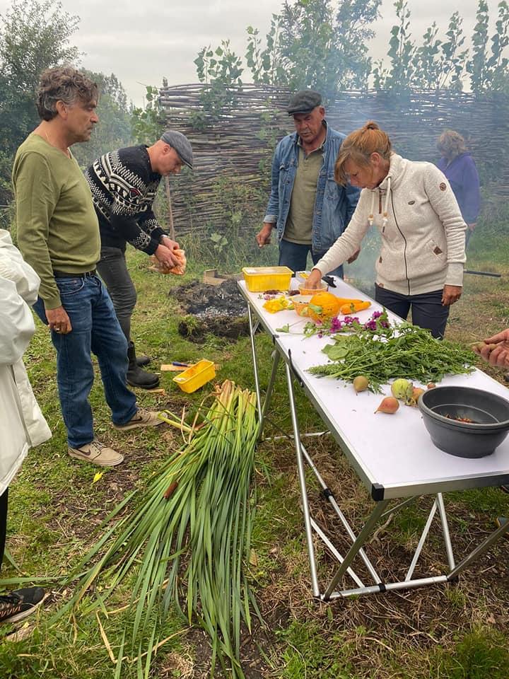 eten uit het paradijs 30 aug ward,hil,ger,mar,miek. Foto door Roos