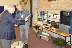 DEHS Burns Spring Lecture 2019 equipment display: Richard Powell explaining DRC. Photo by Dick Green.