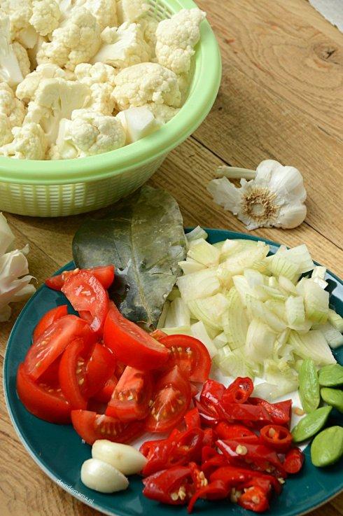 voorbereiding- sambal- goreng- bloemkool