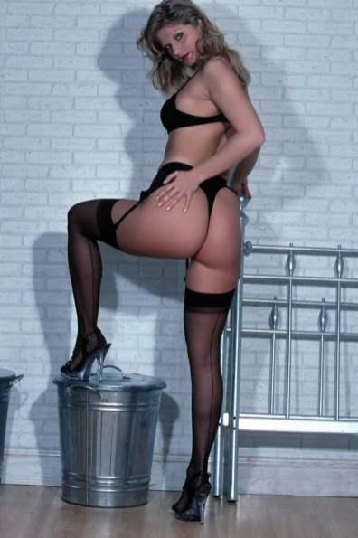 sexy-schwarze-dessous-012