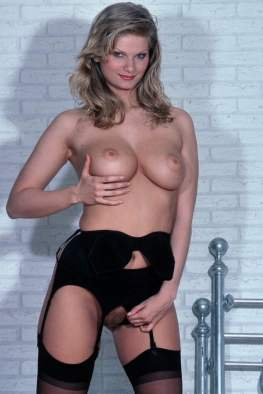 sexy-schwarze-dessous-019