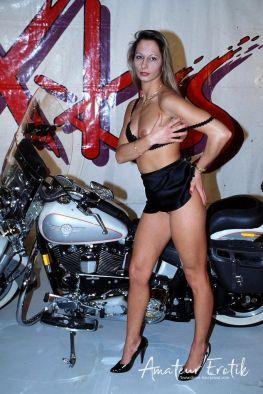 motorrad-nackte-frau-und-sex-6