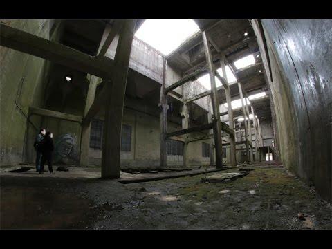 verlassene militaergebaeude im w