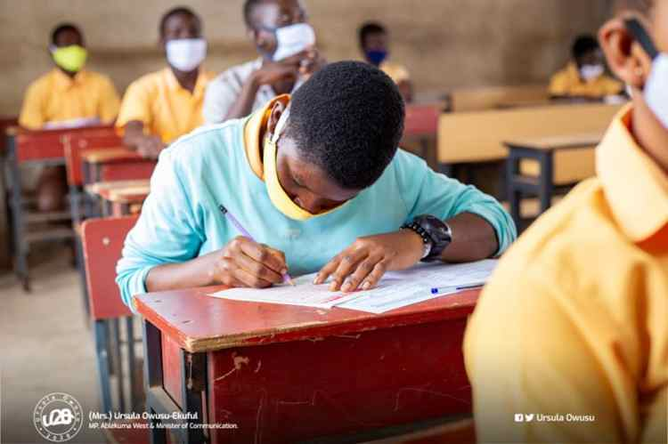Ewe Teacher Set Exams Question To In$ult The President – See Question