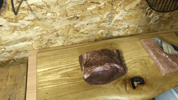 Roastbeef mit BBQ Rub von allen Seiten einreiben