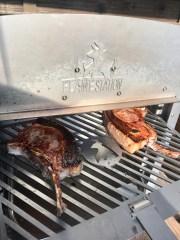 Schweine-Kotelettes auf der Flamestation