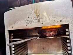 Steaks mit Kruste versehen