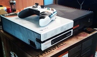 La edición especial de Xbox One inspirada en Titanfall es real