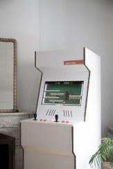 cardboard-arcade-cabinet-maquinarecreativa-carton-retrogames