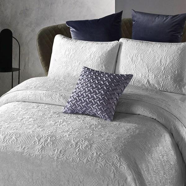 Bedsprei - Velvet Clara - Grijs DreamHouse Bedding Patroon 180 x 250 cm - Ga naar Dekbed-Discounter.nl & Profiteer Nu
