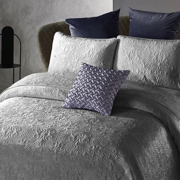 Bedsprei - Velvet Clara - Antraciet DreamHouse Bedding Patroon 180 x 250 cm - Ga naar Dekbed-Discounter.nl & Profiteer Nu