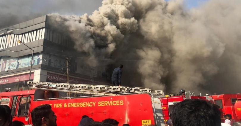 Massive Fire At Chemical Factory In Valsad In Gujrat
