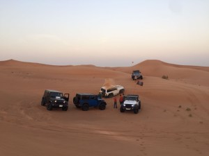 jeeps-in-the-desert
