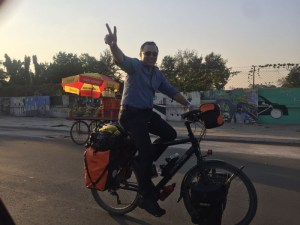 savir-on-mos-bike