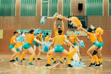 Akrobatische Einlagen mit Humor...