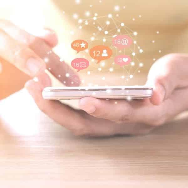 Déléguer réseaux sociaux