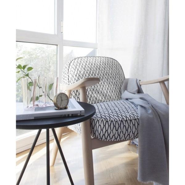 Butaca Basic de LaGranja Design tapizada con tela de Ocott