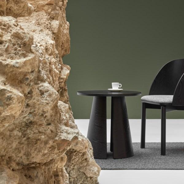 mesa auxiliar cep en color negro