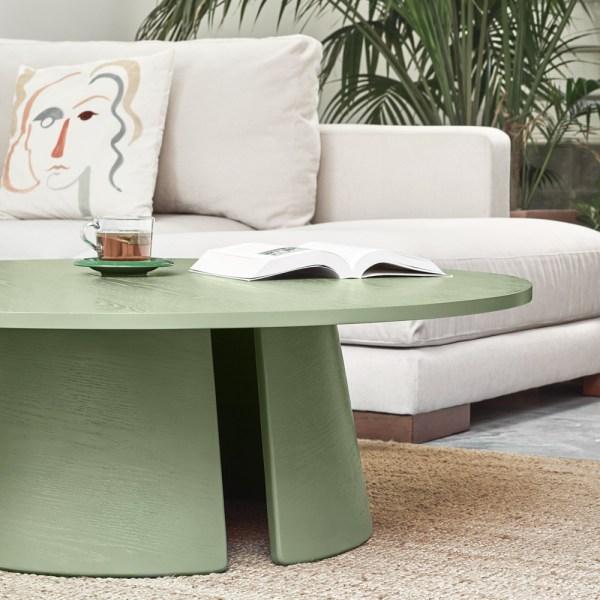mesa de centro de madera de roble tintada en verde