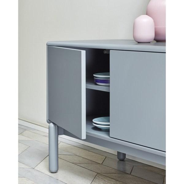 mueble tele gris con patas