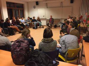 Jan Rotmans in gesprek met studenten
