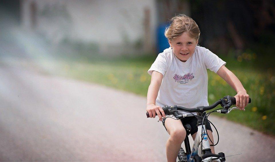 fietsen_meisje