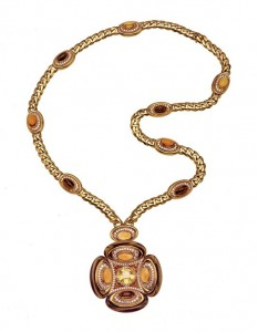 A-1973-Bulgari-sautoir-with-sapphires-tigereyes-citrines-and-diamonds.-Photo-courtesy-of-the-de-Young-Museum