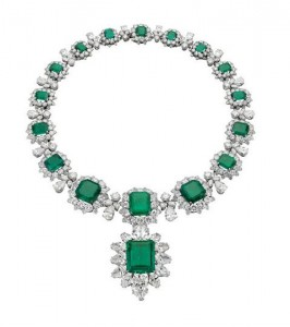 Necklace-1962-with-pendant-brooch-1958-Platinum-with-emeralds-and-diamonds.-Courtesy-of-de-Young-Museum.
