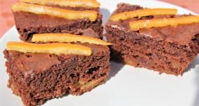 Gâteau au Yaourt Ultra Moelleux : Chocolat et Oranges Confites