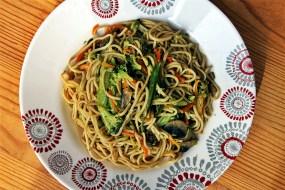 Nouilles ou Pâtes Chinoises Sautées aux Légumes