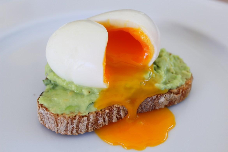 Tartine à l'Avocat et son Œuf Mollet