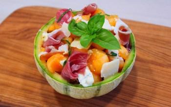 Délicimô ! - Recette de l'Authentique et Traditionnel Melon à l'Italienne – Salade Italie - Fait Maison - Pas à pas - Etape par étape - Yannick Rolland - www.delicimo.fr