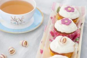 Cupcakes cu zmeura si aroma de floare de portocal