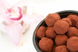 Trufe cu ciocolata spicy – raw vegan
