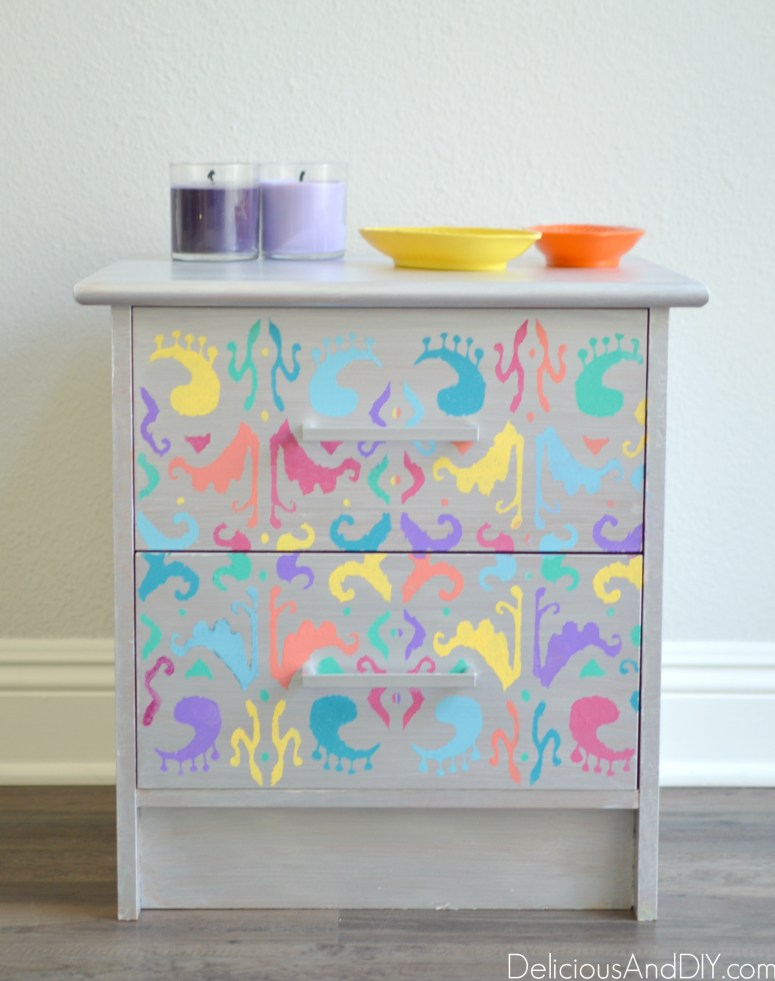 Learn how to create these Multicolored Ikat Nightstand| Nightstand Makeovers| Painted Furnitures| Home Decor| Before and After Table| Ikat Pattern| Multicolored
