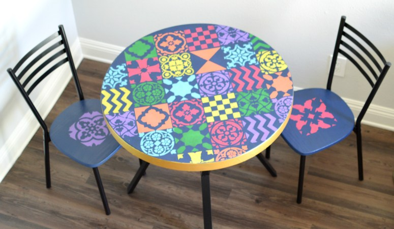 Stencilled Dining Table Set