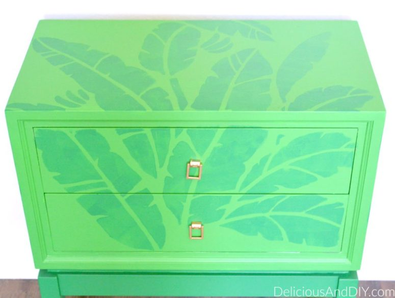 Banana Leaf Table - Delicious And DIY