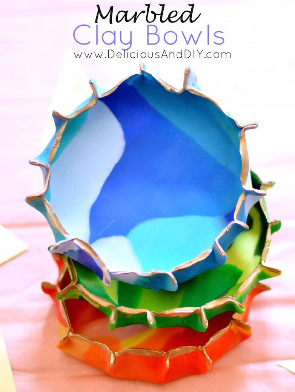 Marbled Clay Bowl| Oven Bake Clay Projects| DIY Craft Ideas| Clay Craft Projects| Air Clay Projects|Kid Craft Ideas| Baked Clay Projects| Painted Clay Bowls| Make Your Own Bowl| Jewelry Dish Holder Ideas| Marbled Bowls