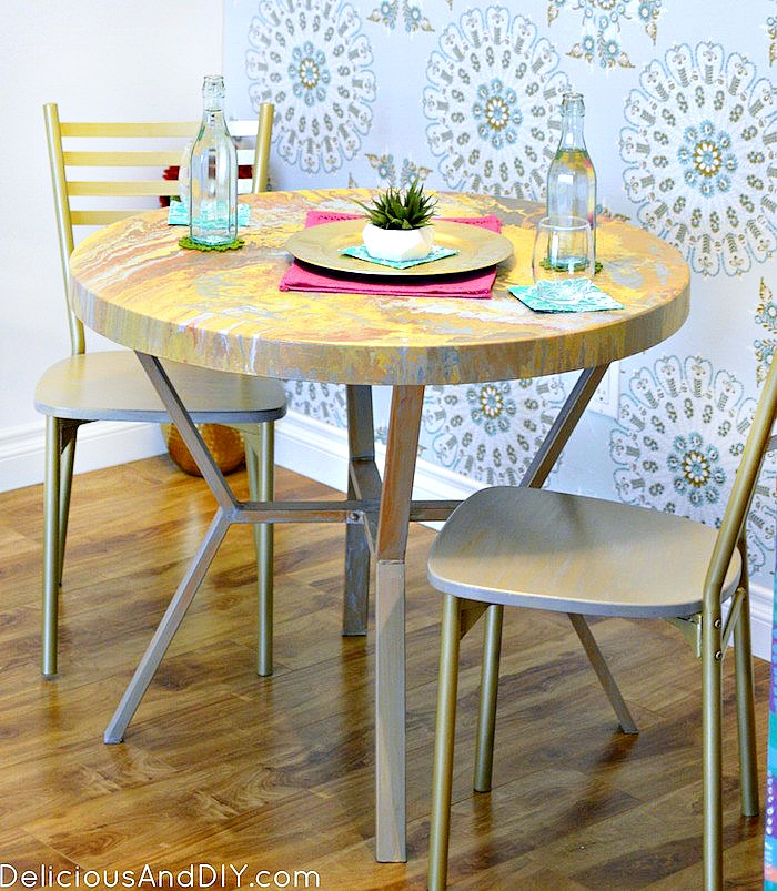 DIY Marbled Painted Dining Table| Dining Table Makeover| Faux Marbled Table| DIY Furniture Makeover| DIY Gold Table| Dining Table Ideas| Painted Table| Room Reveals| Dining Room Ideas