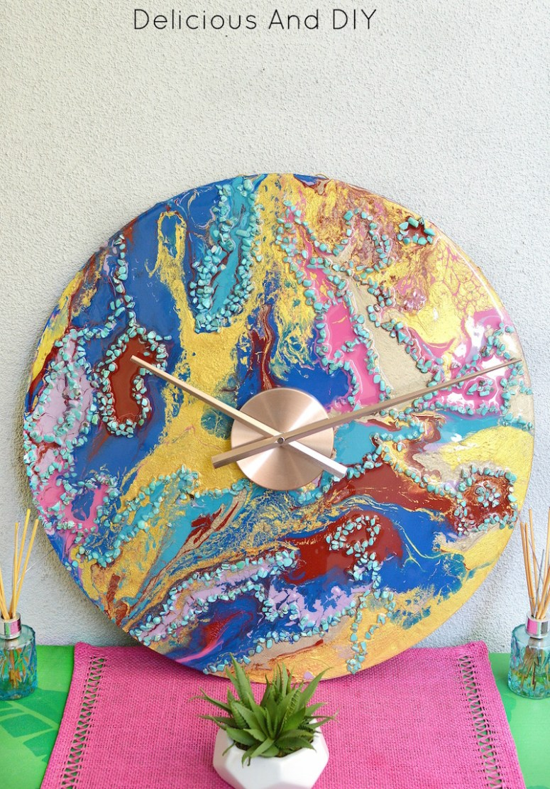Create a gorgeous Marbled Wall Clock using multiple paint colors and Resin, this unique clock not only looks beautiful but is a functional piece of Art| DIY Marbled Wall Clock| Resin Projects| Home Decor| Dirty Pour Art| Marbling| Resin Wall Clock