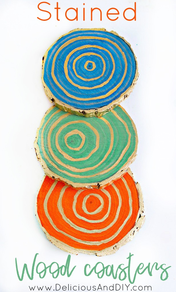 See how easy it is to make Stained Wood Slice Coasters| Wood Coasters created using Colorful Wood Stains| Home Decor| DIY Coasters made Using Wood Slices| Craft Ideas| Home Decor| Stained Wood Coasters| Liquid Gold Gilding Wood Costers