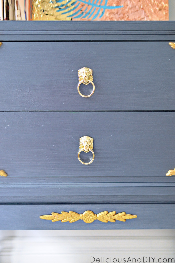 Create this gorgeous Table Makeover using Wood Appliqués| DIY Painted Furniture Makeover| Furniture Makeover using Wood Appliques| Grey Furniture Makeover| DIY Table Makeover Ideas| Before and After Thrift Store Furniture Makeover| Gold Wood Appliqué Furniture| Victorian Style Furniture Makeover