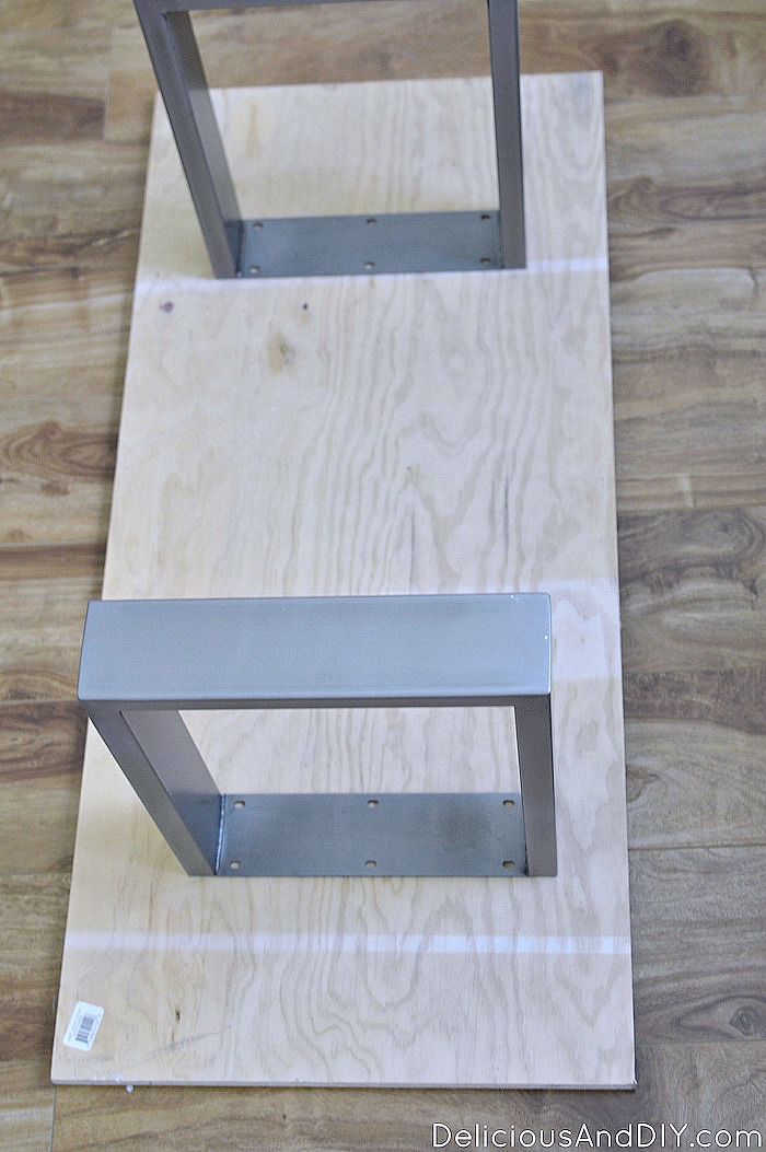 The Wooden Bench Seat for the DIY Outdoor Bench