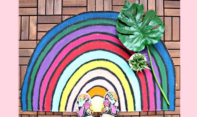 DIY Repurposed Rug Into a Rainbow Mat