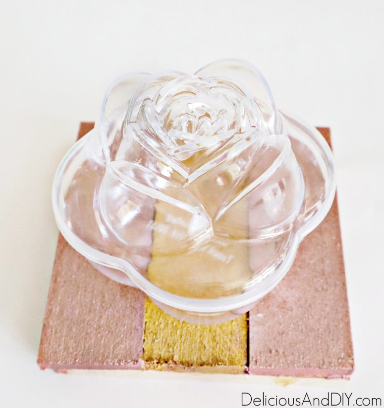 rose flower shaped plastic container