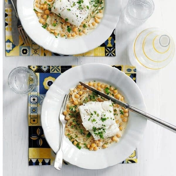 Pan-fried fish with chickpeas, cider and cream